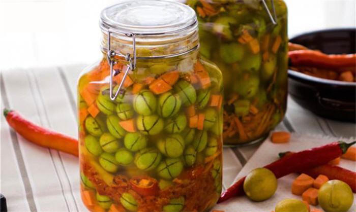 طريقة تخليل الزيتون الاخضر التفاحي الست غالية